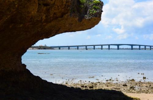宙SORA 沖縄風水講座㊷-2 アマミチューの墓から橋を見る